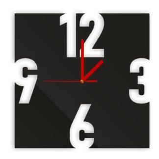 ozdobny zegar kwadratowy