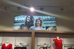 kasetony-reklamowe-swietlne-w-galerii-kiosk