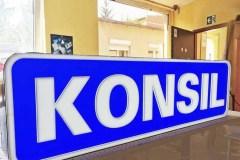 kasetony-z-pleksi-szyldy-napisy-z-plexi-producent-Bydgoszcz-firma-Biale-Blota-Formedia-gdzie-zrobic-kaseton_6