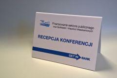 tabliczki-firmowe-informacyjne-na-biurko