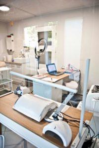 ścianka na biurko z plexi