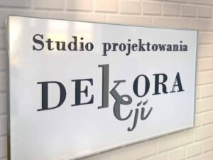 kasetony z pleksi szyldy reklamowe napisy z plexi producent Bydgoszcz firma Białe Błota Formedia gdzie wykonac_6