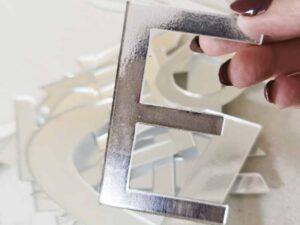 litera z mocnej plexi